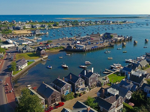 NANTUCKET, MA - HOUSECLEANING - $14/ HOUR (60+ HOURS)